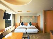 スイート クラシッククルーズ 107平米ベッドルーム最上級にふさわしい、より一層ラグジュアリーな空間は優雅で心地よい時間をご提供いたします。