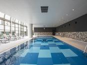 宿泊者特典:15メートルの屋内温水プールが利用可能