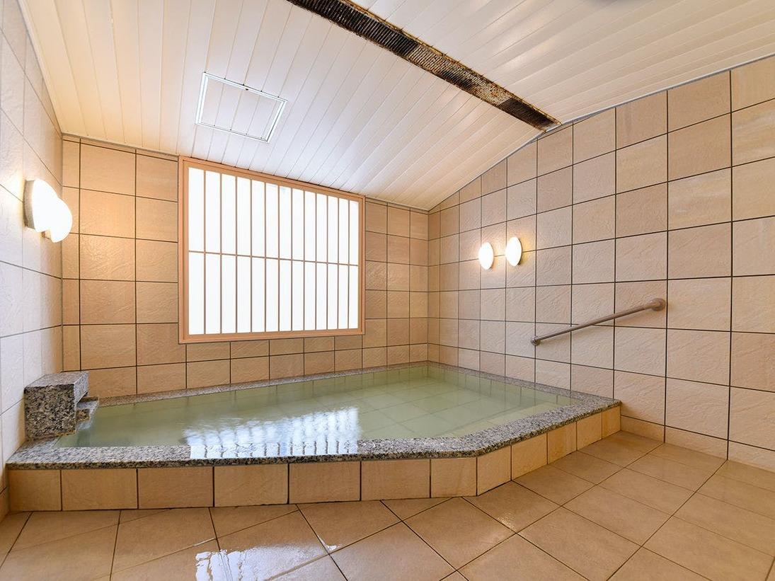 *【貸切家族風呂】天然塩湯かけ流しの家族風呂です(予約制・有料)