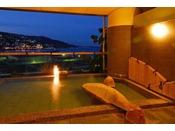 【大展望風呂・海望の湯】海風が心地良い露天風呂。サウナも完備。