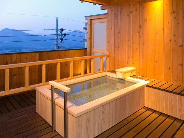 憧れの露天風呂付き客室!しかも温泉利用♪