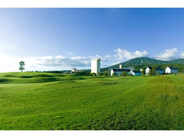 安比高原牧場から見る安比グランドタワー