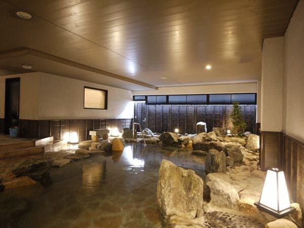 天然温泉「岩風呂」(男湯)