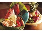 【DINNER】亜熱帯の気候風土に育まれた琉球食材をふんだんに取り入れたお食事をご用意いたします。