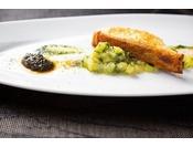 【DINNER】新鮮な魚介のみを使用したお料理を是非ご賞味下さい。