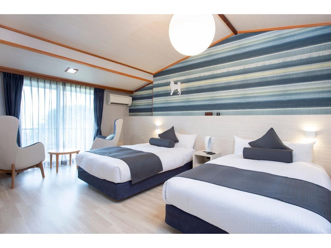 相模湾の美しい眺望を堪能できる限定2室の特別なお部屋です。晴れた日には伊豆大島から昇る朝日とともに、愛犬とのリラックスした贅沢なひと時をお楽しみください。