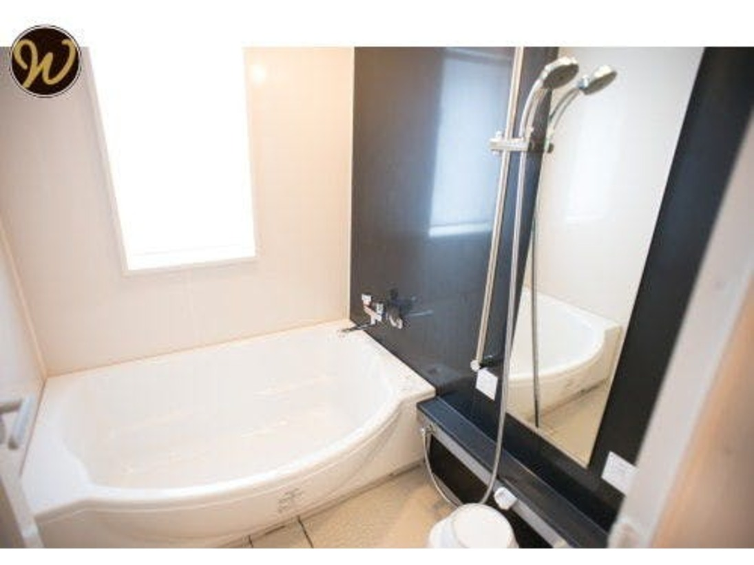 【バスルーム】ツインルームとスーペリアツインルームのバスルーム。