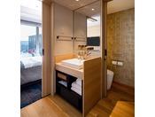 ダブルルームのバスルーム