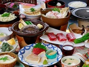 お造り三点盛り・和牛ステーキ・鮑の踊り焼きなどの会席料理! ある日の一例