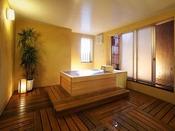 檜造りの貸切風呂「銀の湯」