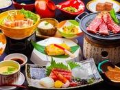 豚肉の朴葉焼きをメインとした会席料理。おっきりこみうどん等地元の味も堪能♪