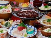 お造り三点盛り・豚肉の朴葉焼き・上州地鶏つくねの塩ちゃんこ鍋などの本格会席【会場食】ある日の一例