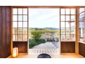 特別室には若草山を眺めながらお茶ができる茶室もございます。