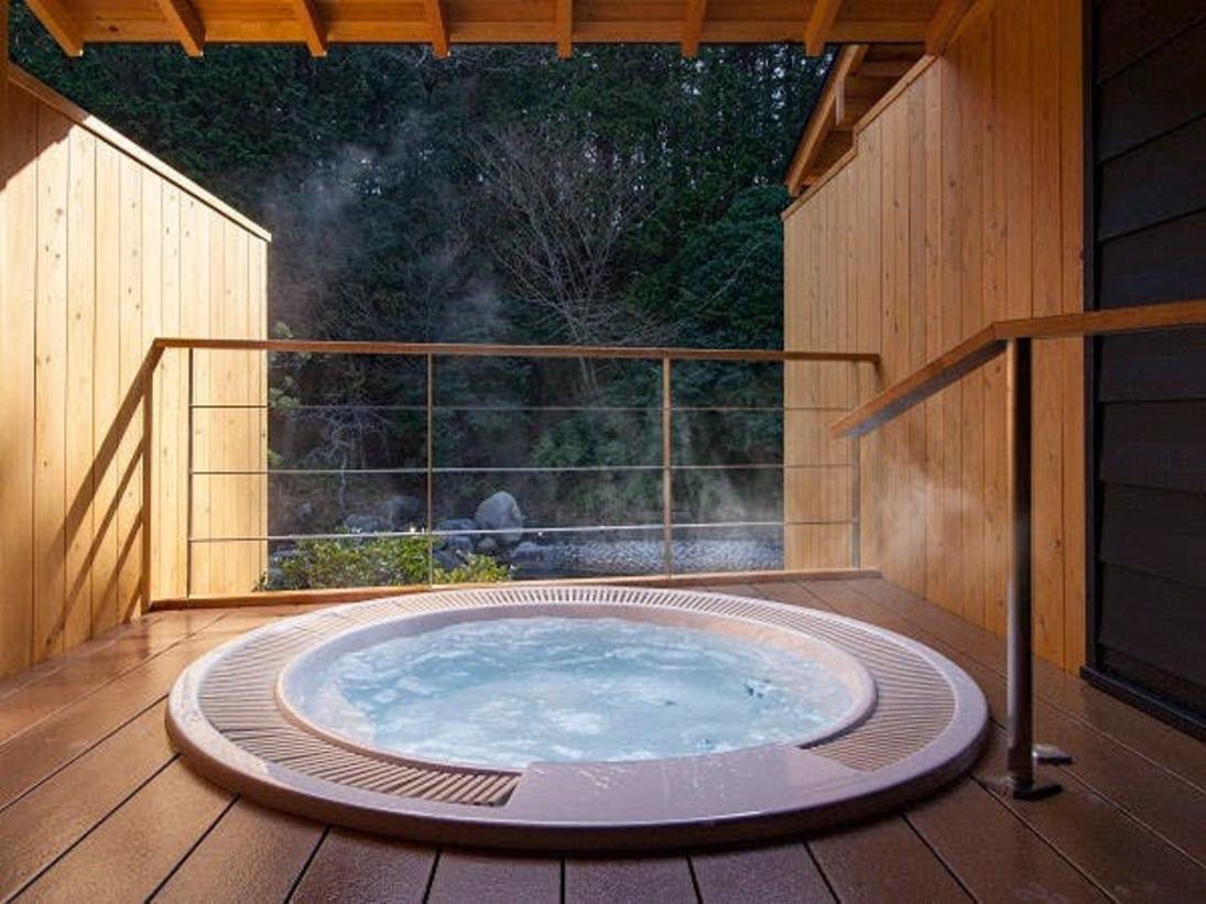 全室温泉露天風呂完備(露天風呂一例【望月】)
