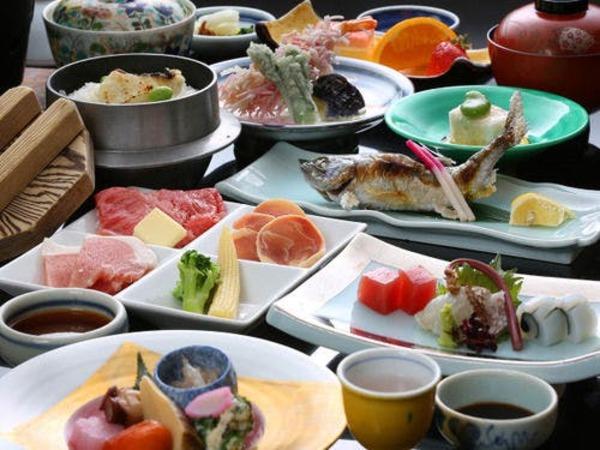 【夕食】旬の食材を使用した季節の会席