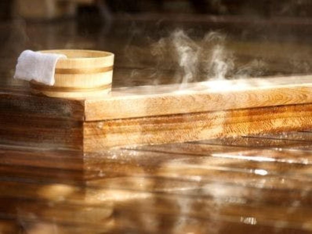 湯村温泉につかって、のんびりと…日頃の疲れを癒しましょう。