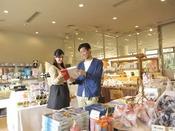 【売店】白浜のお土産を数多く取りそろえております!