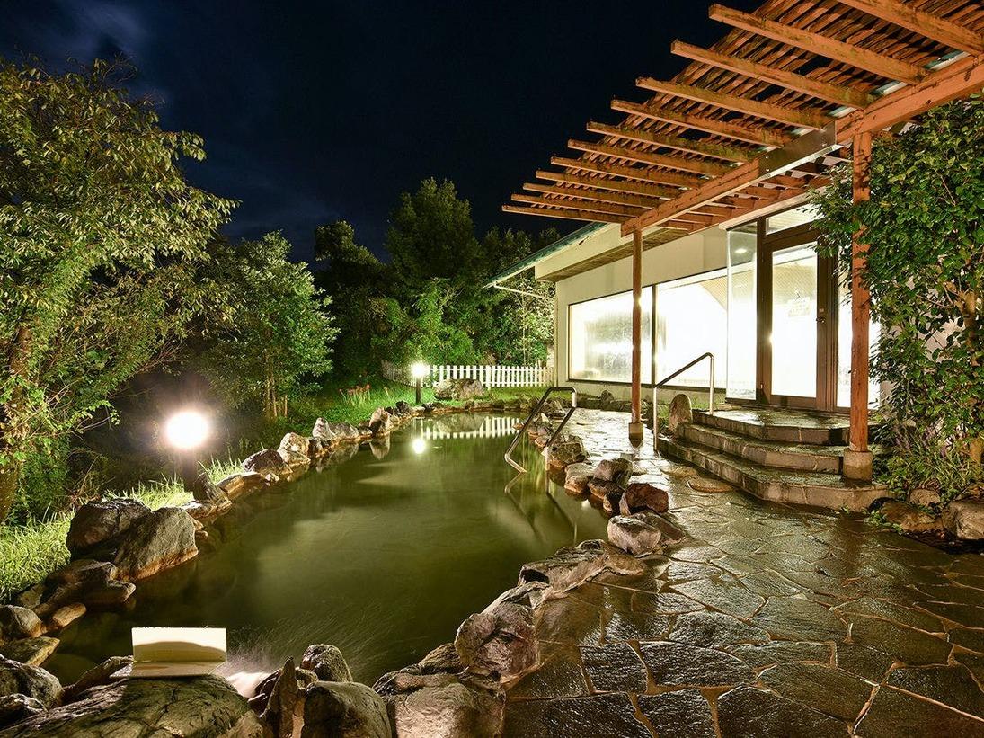 *【露天風呂】(月から木)22:00まで、(金から日)23:00までご利用いただけます。