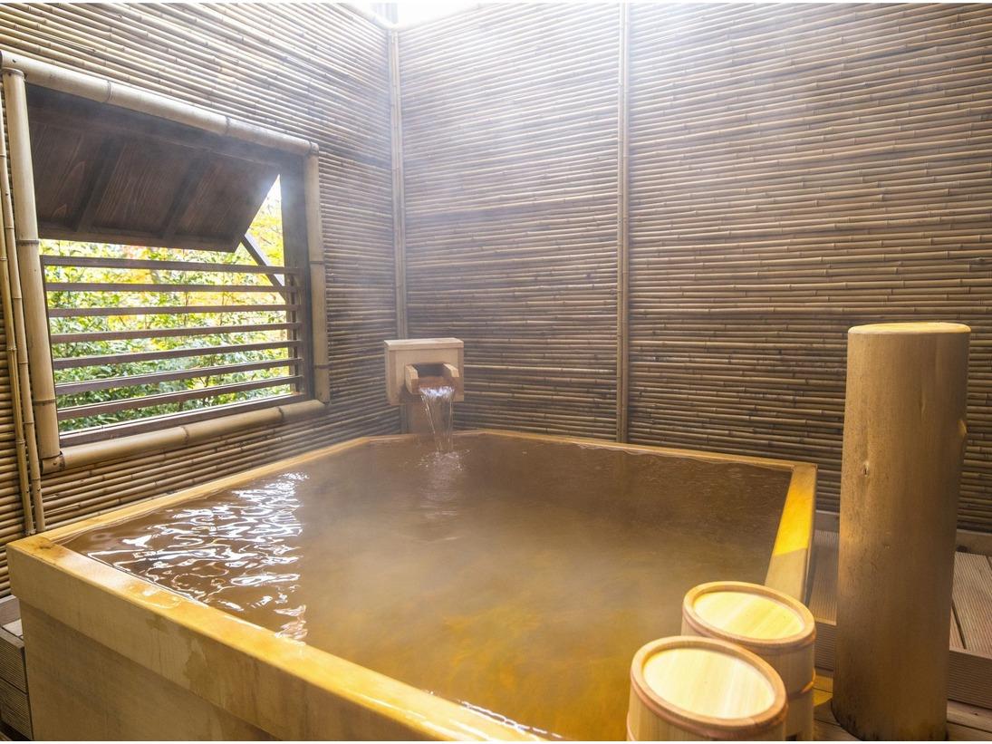 貸切露天風呂「桜花の湯(檜)」は空いていれば何度でも無料で利用出来る。