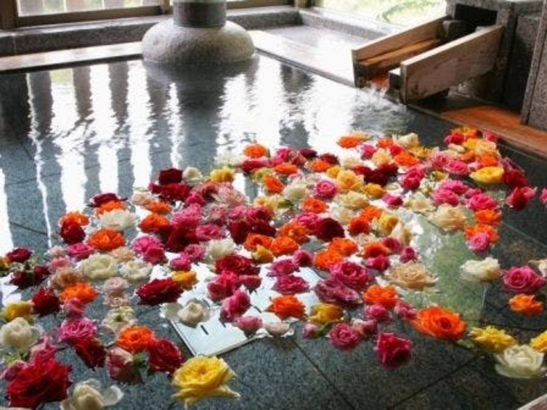 【週末金・土・日曜は名取の御湯の女性風呂がバラ風呂に】