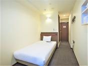 スモールシングルルーム広さ8平米(建物の構造上手狭に感じます)全室ウォシュレット完備♪