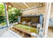 「華の湯」座湯内風呂・露天風呂に様々な風呂をご用意しております。