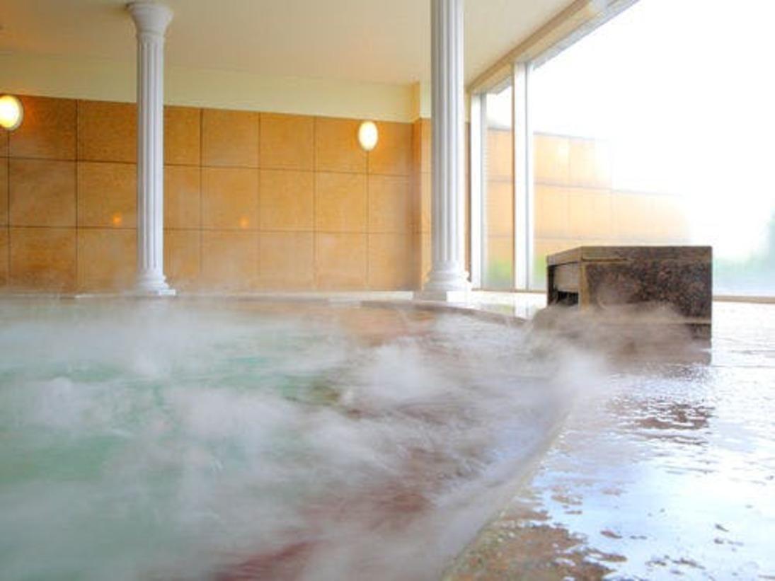 天然温泉「加賀の湯」でほっこり。