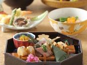 四季折々の食材を織り交ぜた和食をお楽しみください。