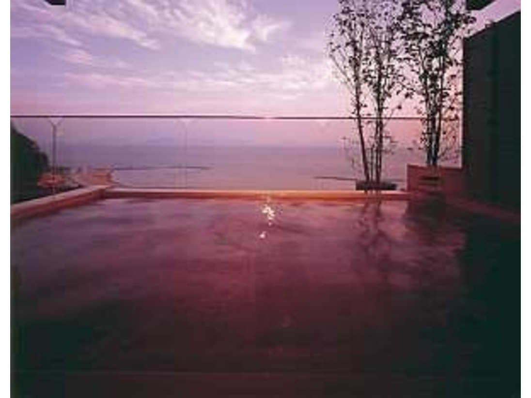 露天風呂西浦の海に抱かれる・・・最上階展望露天風呂