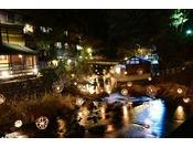 冬だけに灯る湯灯りですが、この度は特別延期!!!せっかくお越しいただけたお客様方に、少しでも黒川温泉での時間が素敵な想い出になりますようにと、願いを込めて・・・