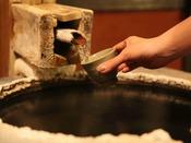 【湯浴み棟に備わっている飲泉所】消化が促進され、利尿作用がある。