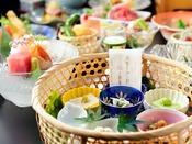 豆腐懐石「夏」さっぱり自家製豆腐など季節を楽しむ味覚をどうぞ。