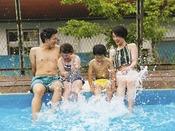 【屋外プールイメージ】夏季限定オープン★ 暑い夏の日はプールで思いっきり遊ぼう!