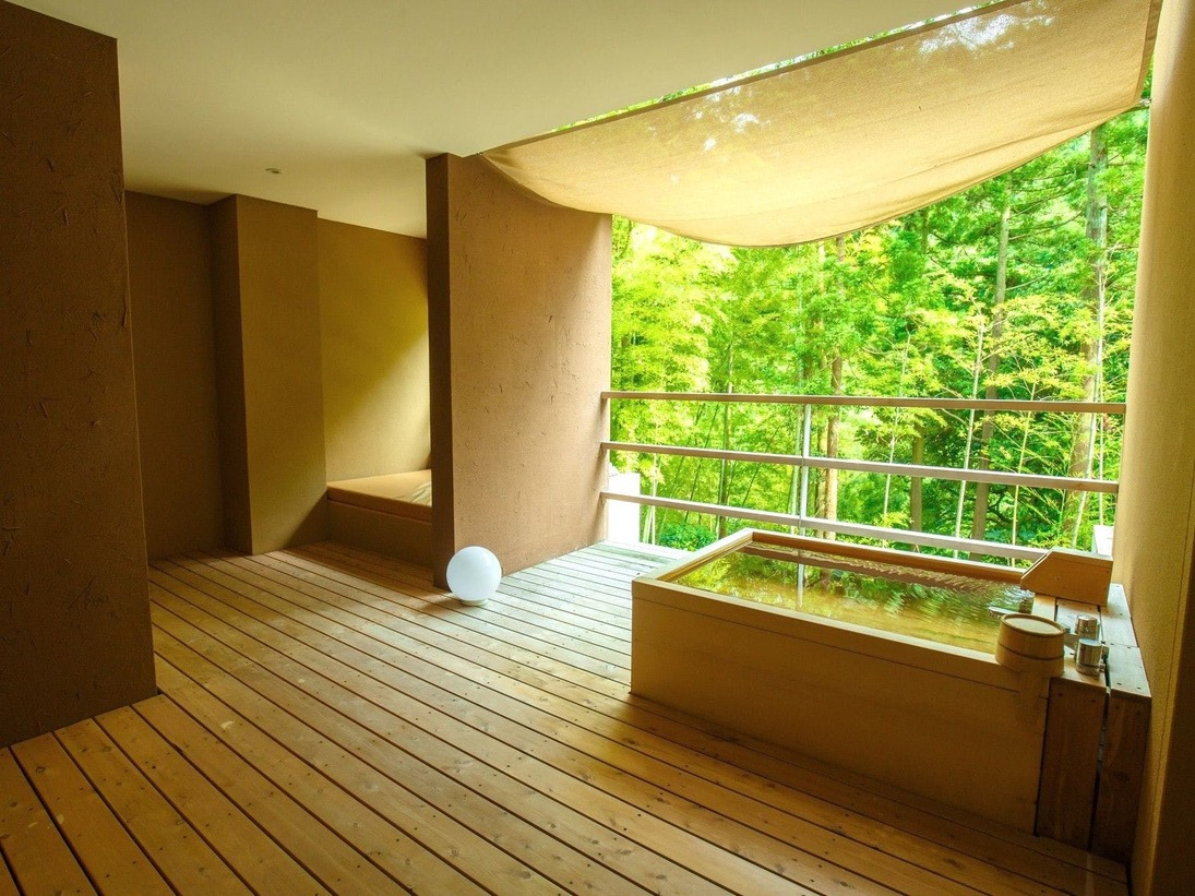 客室露天風呂の一例(204号室)