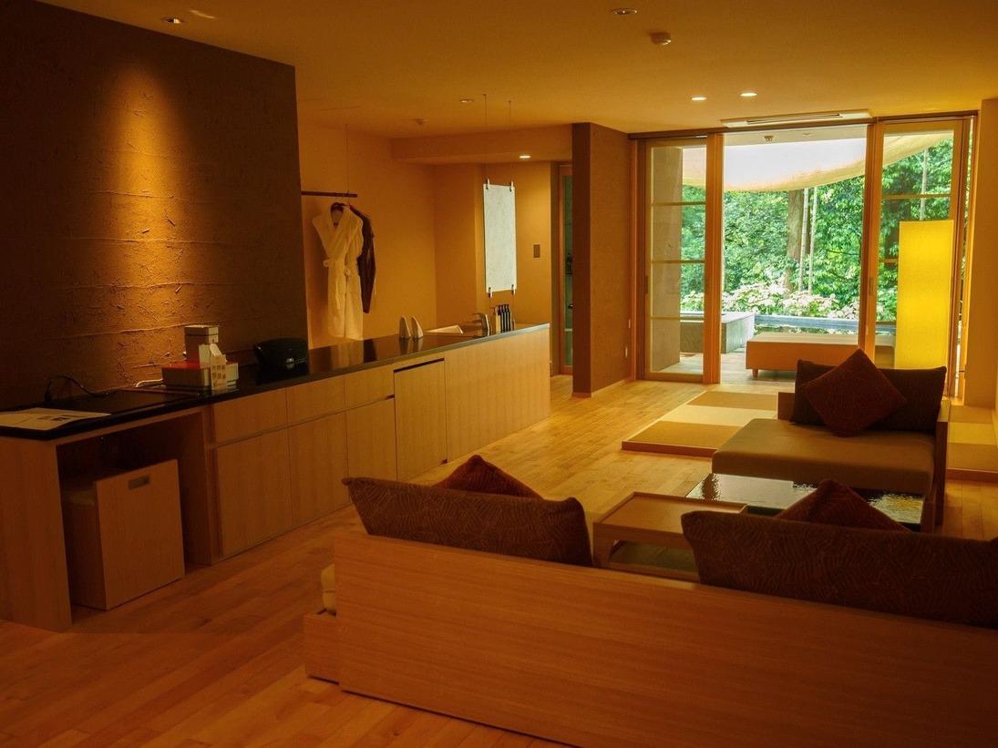 露天風呂付き客室の一例(101号室)