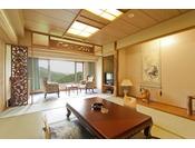 【新館和室】10帖の広さがありお風呂・トイレは分かれております