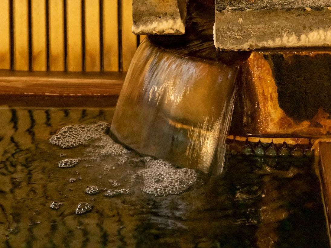 松江しんじ湖温泉は無色透明で肌なじみのよい硫酸塩泉。