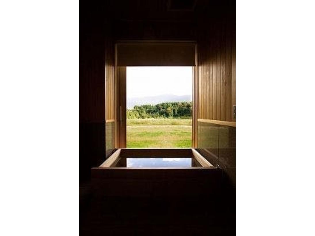 「小桜」檜造りのお風呂