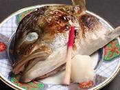 青森近海産のカンパチのカマ焼き。