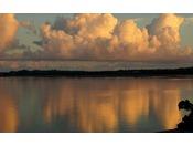 流れ星伝説を持つ赤尾木湾の穏やかな海