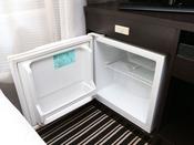 冷蔵庫(冷蔵品の持ち込み自由 ※大きい冷凍品は入りません。)