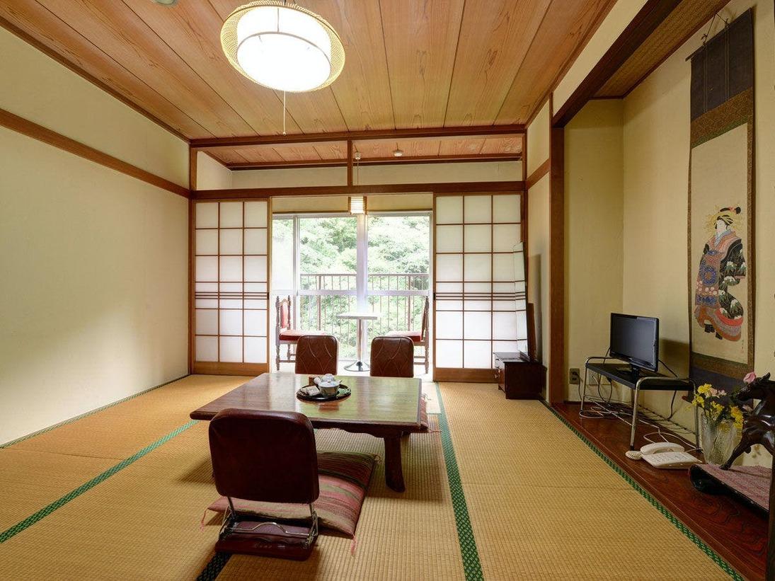 *【川側和室8畳】3名定員のお部屋となります。ごゆっくりお過ごしくださいませ。