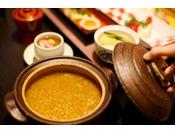 奈良の郷土食ほうじ茶で炊いたさらさらの茶粥