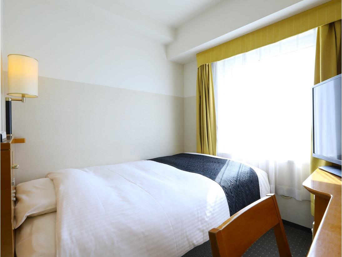 シングルルーム(広さ11平米/ベッド幅120cm)