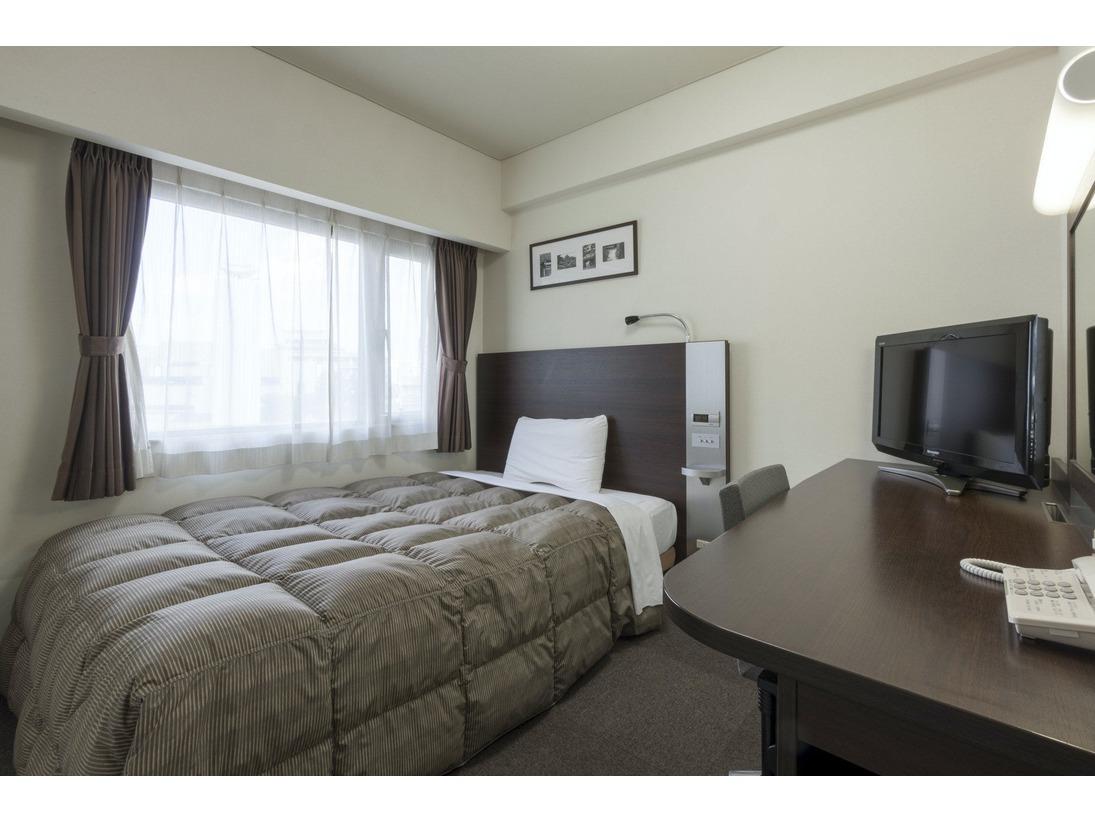 1ベッドルーム 【ダブルエコノミー】(禁煙)幅140cmベッドでゆったりとおくつろぎいただけます。