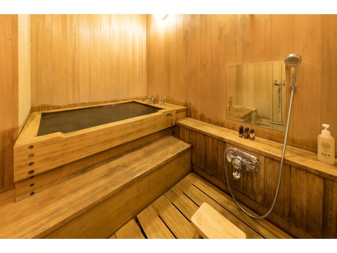 和室スイートルームのひのきお風呂