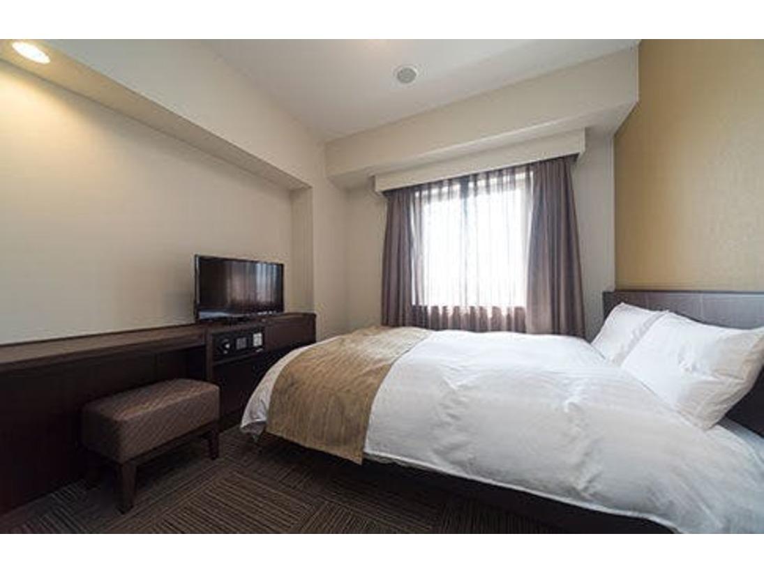 ダブルルーム ベッドサイズ140×195センチ
