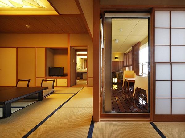 和の趣と露天風呂が融合した客室