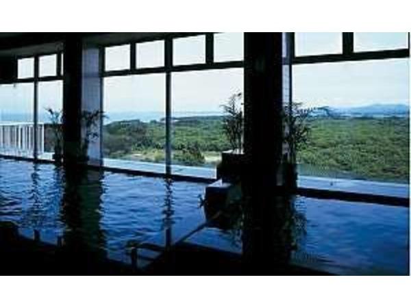 展望大浴場・本館:最上階8階朝日が望める