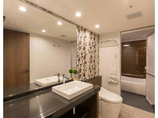 清潔感あふれるバスルーム♪